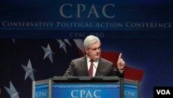 El ex portavoz Newt Gingrich en un discurso durante la Conferencia de Acción Polícia Conservadora.