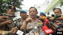 Kapolri Jenderal Tito Karnavian di kompleks Istana Kepresidenan memberikan keterangan seputar tertembaknya buronan teroris Santoso (19/7). (VOA/Andylala Waluyo)