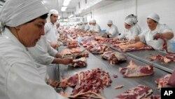 La carne vacuna es el principal rubro de exportación de Uruguay, pero ahora se abre la puerta a la exportación de carne ovina con hueso.