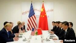 도널드 트럼프(왼쪽) 미국 대통령과 시진핑(오른쪽) 중국 국가주석이 지난달 29일 일본 오사카에서 확대정상회담을 진행하고 있다.