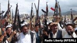 ساکنان شماری از ولسوالی های لغمان و ننگرهار نیز بر ضد طالبان قیام کرده بودند