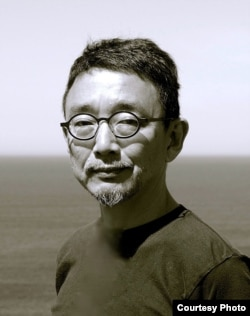 京都藝術大學藝術研究院教授小崎哲哉( Tetsuya Ozaki )(照片提供: 小崎哲哉)
