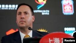 澳大利亞貿易部長史蒂文·喬博在上海參加澳式橄欖球聯盟的活動(2018年5月17日)