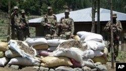 파키스탄의 아프가니스탄 접경 지역을 지키는 군인들. (자료 사진)