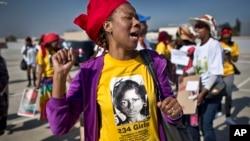 8일 남아프리카 요하네스버그에서 나이지리아 피랍 여학생들의 석방을 요구하는 시위가 벌어졌다.