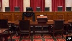 El puesto vacante dejado tras la muerte del juez Antonin Scalia sigue provocando fuertes debates entre demócratas y republicanos.