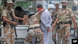 کراچی میں رینجرز کا آپریشن، ایک ہزار افراد گرفتار، بڑی تعداد میں اسلحہ برآمد