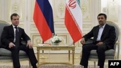 Дмитрий Медведев и Махмуд Ахмадинежад