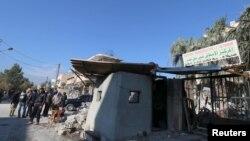 其中一家被损坏的医院是由于叙利亚的卡车炸弹引起的(2015年12月11日)