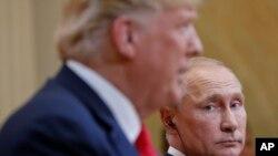 Tramp-Putin sammiti zamanı keçirilən mətbuat konfransında ABŞ prezidentinin davranışı ölkə daxilində sərt tənqidlərə məruz qalıb.