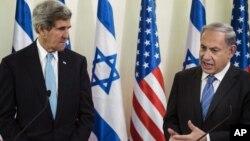 El secretario de Estado de EE.UU., John Kerry, visita por décima ocasión al primer ministro de Israel Benjamín Netanyahu, para luego reunirse con el líder palestino como parte de las negociaciones de paz.