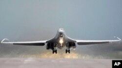 美军B-1B战略轰炸机(资料照)