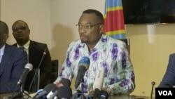 Le ministre de la santé congolais Eteni Longondo à Kinshasa le 10 mars 2020.