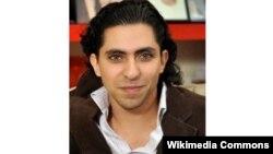 Ông Raif Badawi bị bắt năm 2012 sau khi lập một trang web dùng làm nơi tranh luận trực tuyến về các vấn đề chính trị cũng như tôn giáo.