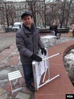 知名人权活动人士帕诺马廖夫。(美国之音白桦拍摄)