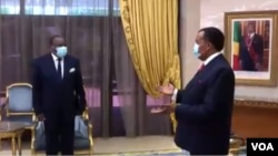 François Louncény Fall mokambi ya Bureau ya ONU na etuka ya Afrika ya kati (G) akutani na président Denis Sassou N'Guesso ya Congo-Brazzaville, na Brazzaville. 18 novembre 2020.