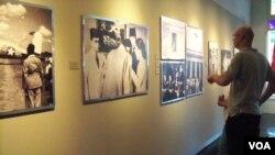 Pameran foto Perjuangan Kemerdekaan RI di Galeri Foto Jurnalistik Antara, Jakarta (Foto: VOA/Budi Nahaba)