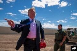 Sınır bölgesinde incelemeler yapan Başkan Trump