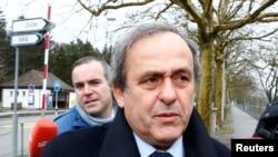 Michel Platini arrive au siège de la FIFA, Suisse, le 15 février 2016.