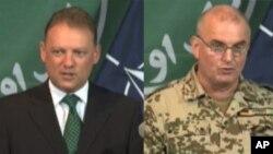جنرال جکوبسن سخنگوی آیساف(راست) و میدلی سخنگوی ملکی نیرو های ناتو در افغانستان(چپ)