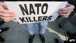 NATO aleyhtarı protestolar