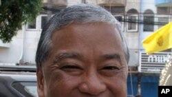 Bangkok City Governor Sukhumbhand Paribatra, October 23, 2011.