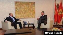 Ministar spoljnih poslova Srbije i premijer Crne Gore Milo Đukanović tokom susreta u Podgorici (Biro)