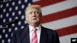 Le républicain Donald Trump parle lors d'un rassemblement à Manheim, Pennsylvanie, le 1er octobre 2016.