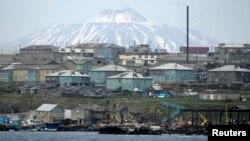 Đảo Kunashiri, một trong bốn hòn đảo được gọi là Nam Kuriles tại Nga và Bắc Territories ở Nhật Bản.