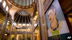 Una carta de Frida Kahlo dirigida al galerista neoyorquino Julien Levy de 1939 a propósito de una exposición de Diego Rivera fue subastada por 7.800 euros. Foto AP.
