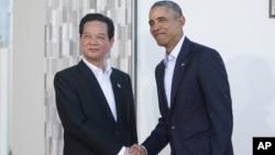 Tổng thống Obama đón tiếp Thủ tướng Việt Nam Nguyễn Tấn Dũng tại hội nghị 10 nước ASEAN tại Sunnylands, thành phố Rancho Mirage, bang California, ngày 15 tháng 2, 2016.
