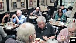 Ručak u restoranu 2nd Avenue Deli