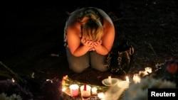 哀悼奥兰多枪击案死难者。