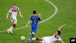အာဂ်င္တီးနားအသင္းက Lionel Messi နဲ႔ ဂ်ာမန္အသင္းက Mats Hummels