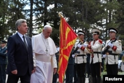 Pope Francis is welcomed by President Gjorge Ivanov at the presidential residence in Skopje, North Macedonia May 7, 2019. Vatican Media/­Handout