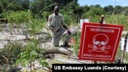 Desminagem em Angola