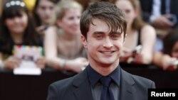"""Daniel Radcliffe lors de la première de """"Harry Potter and the Deathly Hallows: Part 2"""", à New York, le 11 juillet 2011."""