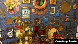Ornamen warna-warni menyambut Ramadan yang banyak dipasang di rumah warga muslim di Amerika (Foto: I. El Ayouby).