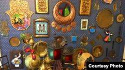 Hiasan berwarna-warni tampak menghiasi rumah banyak keluarga Muslim Amerika dalam menyambut bulan Ramadan (I. El Ayouby)