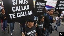 Manifestación en favor de la libertad de prensa en Panamá. En muchos países del continente prevalece la violencia y la polarizació ideológica.