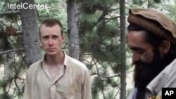 2010年,伯格達爾作為塔利班俘虜出現在一段視頻上(資料照片)