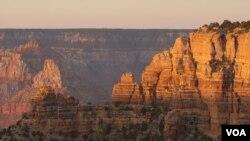 Zalazak sunca u Nacionalnom parku Grand Canyon.