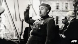 General Franko İspaniyada mübahisəli siyasi irs qoyub gedib. Bir çoxları onu minlərlə adamın qətlində günahlandırır.