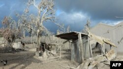 Desa Kutarayat di Kabupaten Karo yang ditinggalkan penduduk karena letusan Sinabung, 8 Februari 2014.