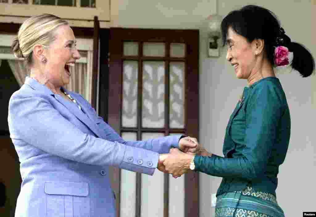 Хиллари Клинтон и Аун Сан Су Чжи. 2 декабря 2012 г.