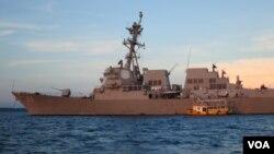 នាវាស.រ.អា. Destroyer USS Mustin សំចតនៅសមុទ្ររាម ប្រទេសកម្ពុជាមុនពេលធ្វើសមយុទ្ធ CARAT 2014