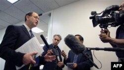 Կոնգրեսական Շերմանի հարցազրույցը լրագրողների հետ (արխիվային լուսանկար)