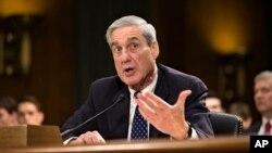 19일 미국 의회에서 열린 상원 법사위원회에서 미 연방수사국(FBI) 로버트 뮬러 국장이 발언하고 있다.