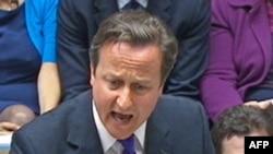 Thủ tướng Anh David Cameron phát biểu trước phiên họp của Quốc hội, ngày 20/7/2011