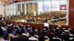 지난 2009년 6월 유엔이 캄보디아에 설치한 국제전범재판소에서 크메르루즈 전범 용의자에 대한 재판이 열리고 있다. (자료사진)